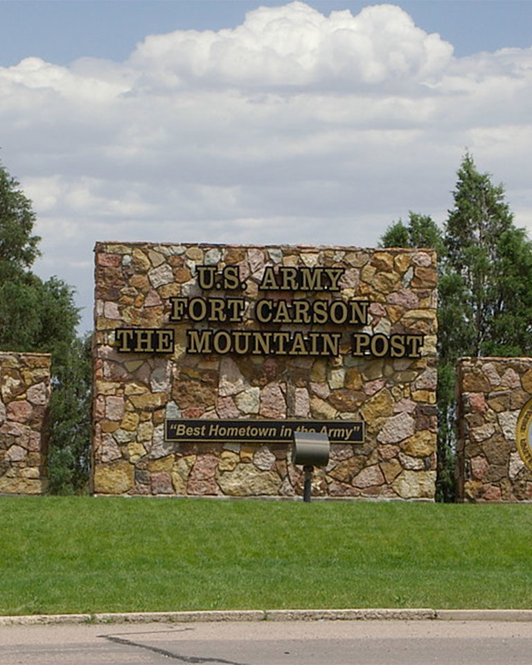fort-carson-sign